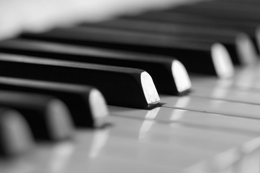 piano-keys-falko-follert